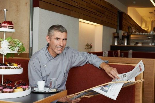 Wolfgang Fröschl im Kaffeehaus Kaffeesieder
